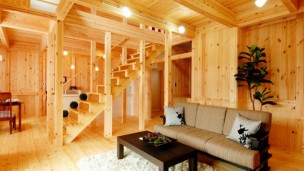 木の温もりタップリな家